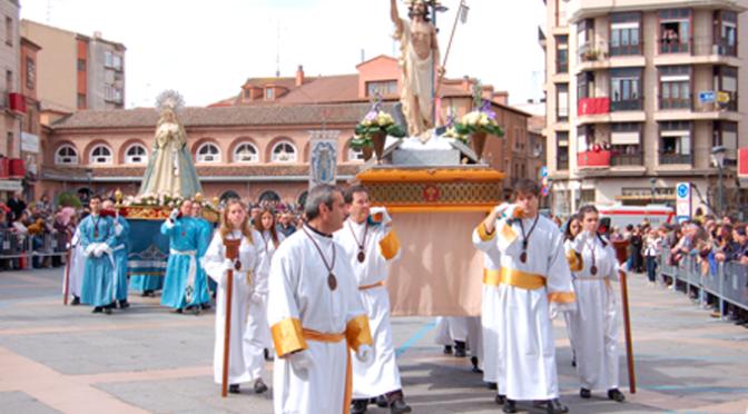Domingo,  Procesión de Cristo Resucitado