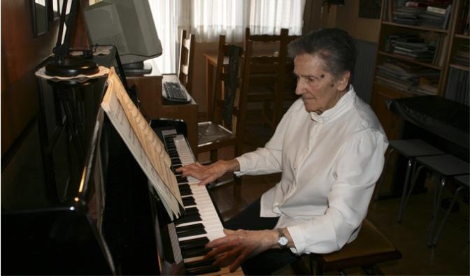 La familia de María Dolores Malumbres dona al Gobierno de La Rioja el legado musical de la compositora