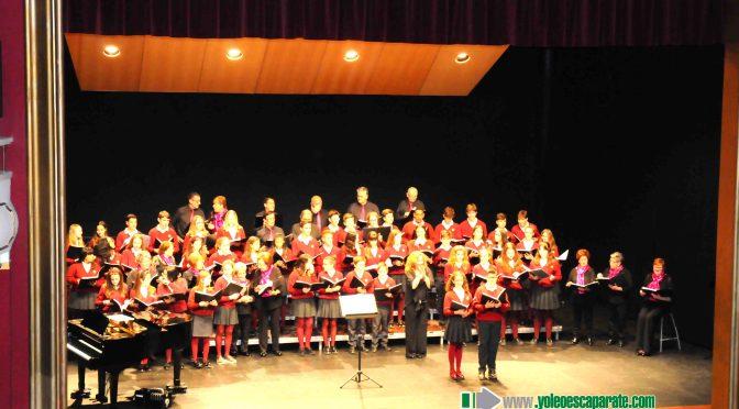 Gran concierto de Bandera de Banderas, con la coral Polifónica Nassica Ivlia y la Escolanía Juvenil San Agustín