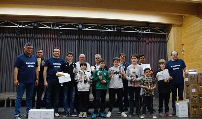 Éxito de participación en la VI edición del Torneo de Ajedrez Entreviñas pese a coincidir con la jornada electoral