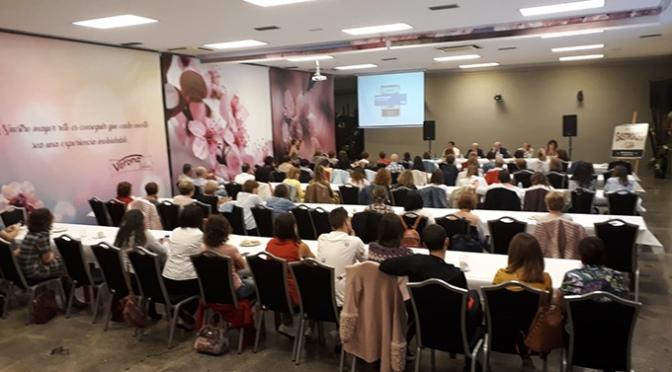 """Éxito del café-coloquio """"Gastronomia y alimentacion"""" del CEO Villa de Autol"""