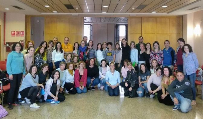 Un total de 50 personas alfareñas asistieron este miércoles 8 de mayo a la primera sesión del Taller Vivencial-Experiencial