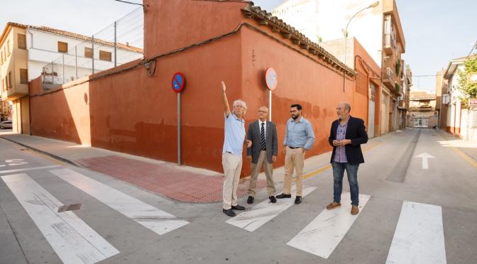 Un suelo que descontamina el aire en las nueve calles renovadas de San Adrián