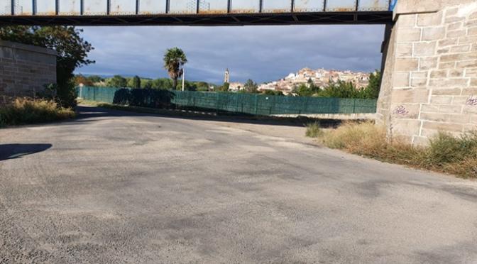 """Reparaciones en el camino de la Algarrada, en el camino que une las piscinas municipales con la carretera de Arnedo y en el parking de """"El Silo"""""""