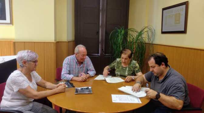 El Ayuntamiento de Alfaro y Cáritas renuevan el convenio del programa de atención primaria a familias alfareñas