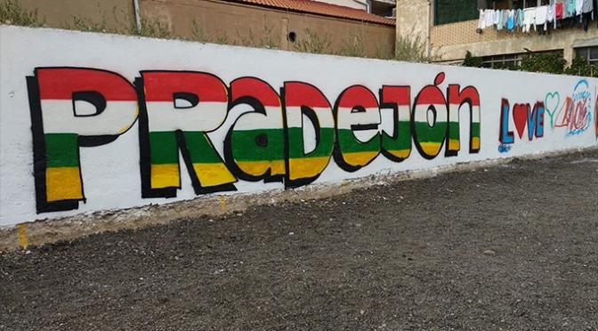 """Bonitos graffitis en Pradejón en el proyecto """"¡Muévete, que es fin de semana!"""""""