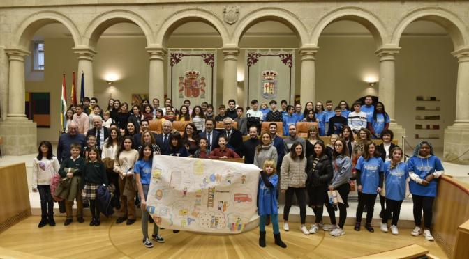 Alumnado de Logroño, Alfaro, Arnedo y Calahorra participan en la Convención sobre los Derechos del Niño