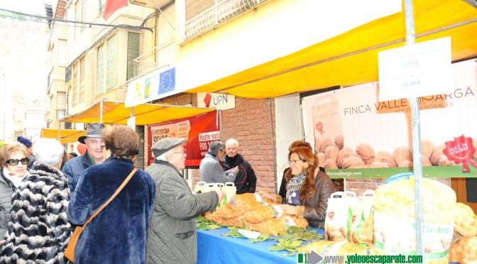 Pese al frio, el sábado se celebró el Mercado de las verduras de invierno en Azagra