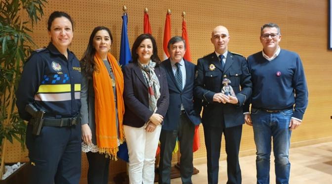 La Policía Local de Calahorra recibe el galardón MENINAs por la lucha contra la violencia hacia las mujeres