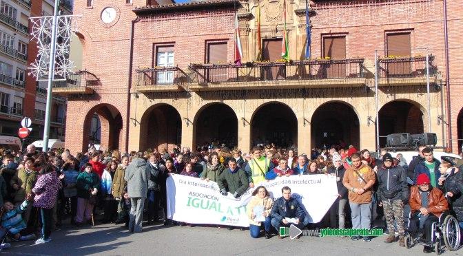 Hoy en Calahorra los usuarios del centro de la Asociación IGUAL A TI han celebrado el Día Internacional de las personas con discapacidad