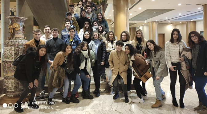 Los alumnos de Agustinos visitan Unitour en Zaragoza