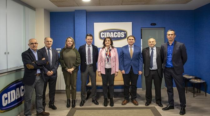 Andreu, Castresana e Hita visitan la fábrica de Autol del Grupo Cidacos