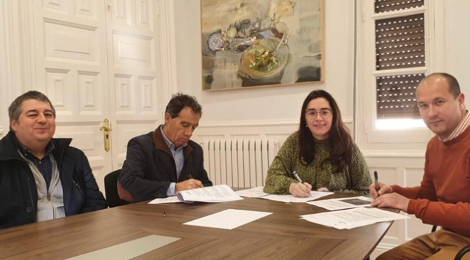 """Convenio de colaboración para la cesión, con fines deportivos, del campo de tiro """"Valfondillo"""""""