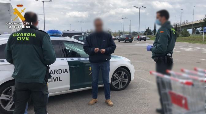La Guardia Civil denuncia a un matrimonio que tenía que permanecer en aislamiento y se encontraba comprando en un supermercado de La Rioja