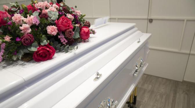 Sanidad prohíbe los velatorios y restringe las ceremonias fúnebres para limitar la propagación y el contagio por el COVID-19