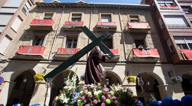 """Engalana tu balcón y vive """"diferente"""" la Semana Santa de Calahorra"""