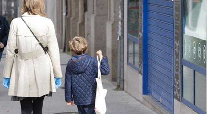 Los niños podrán salir a dar paseos de una hora, a menos de 1 km de casa y de 9 a 21 horas