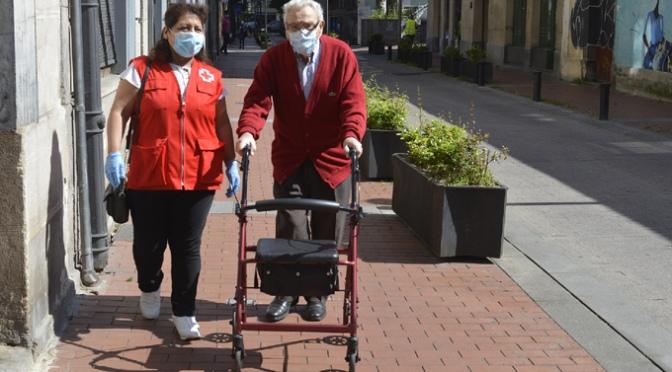 Cruz Roja Calahorra y Alfaro ofrece acompañamiento a las personas mayores en sus salidas de desconfinamiento
