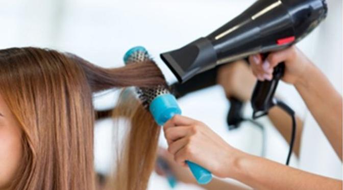 Las peluqueras de Alfaro luchan por una reducción del IVA