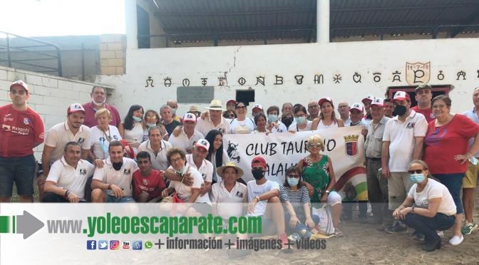 El club taurino de Calahorra pasa un día campero en la ganadería de Carlos Lumbreras