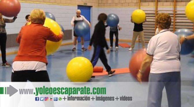 El Ayuntamiento de Calahorra oferta actividades de gimmasia de mantenimiento, yoga y escuela de pelota
